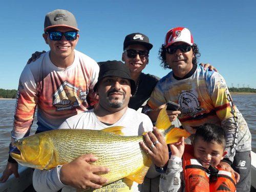 Alma de rancho tuvo que romper el hiielo !!!  Alberto y su familia, muy buena jornada!! asii siii  hoy se dio el dorado, las bogas estaan!!!